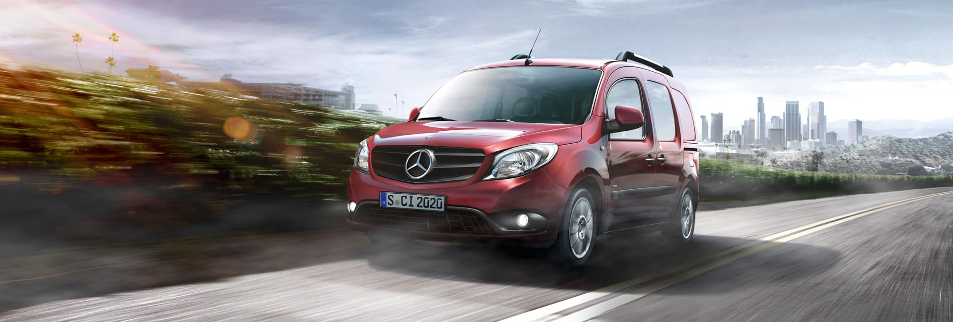 Mercedes auvity rouge utilitaire